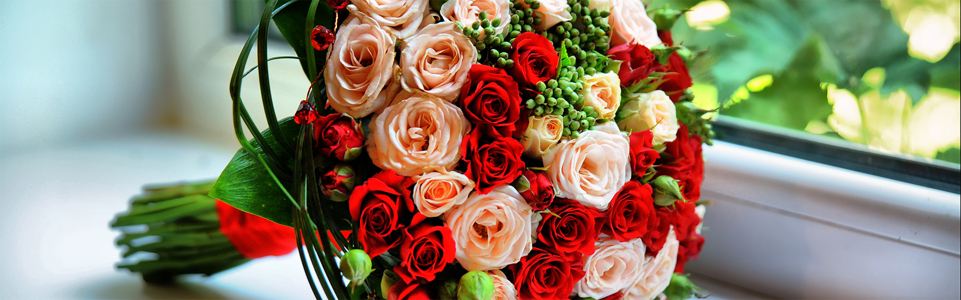"""<p data-aos=fade-up style=""""text-align:center""""><strong>It's so easy to make a woman happy</strong></p>  <p data-aos=fade-up style=""""text-align:center"""">New flower delivery - coming soon...</p>"""